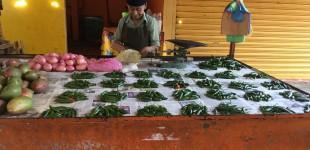 Beautiful pepper groups at Coatepec market